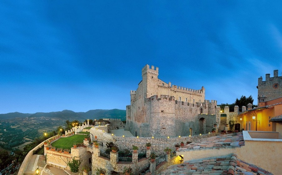 castle_panoramic_view_wedding_in_italy